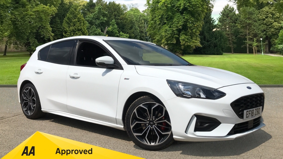 Ford Focus 1.0 EcoBoost 125 ST-Line X 5dr with Heated Seats and Navigation Hatchback (2018) image
