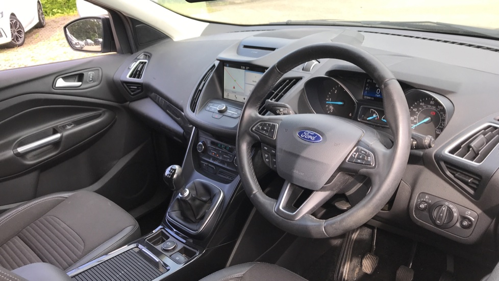 Ford Kuga 1.5 TDCi Titanium 2WD with Navigation and Cruise Control image 12