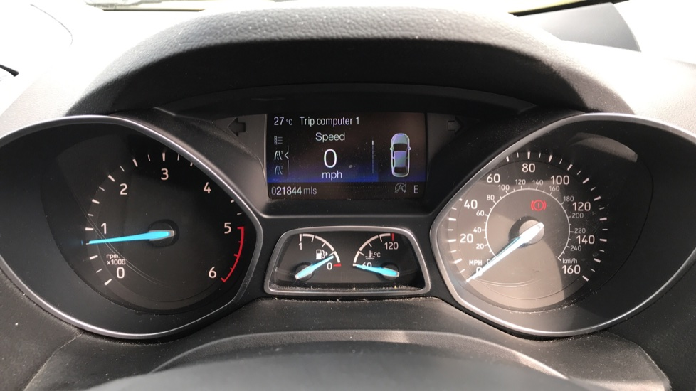 Ford Kuga 1.5 TDCi Titanium 2WD with Navigation and Cruise Control image 14