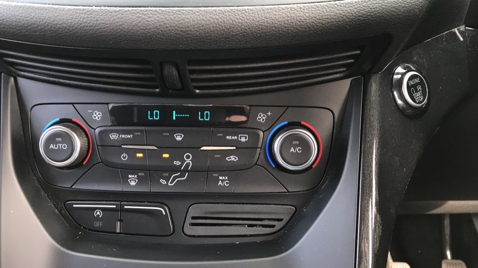 Ford Kuga 1.5 TDCi Titanium 2WD with Navigation and Cruise Control image 16