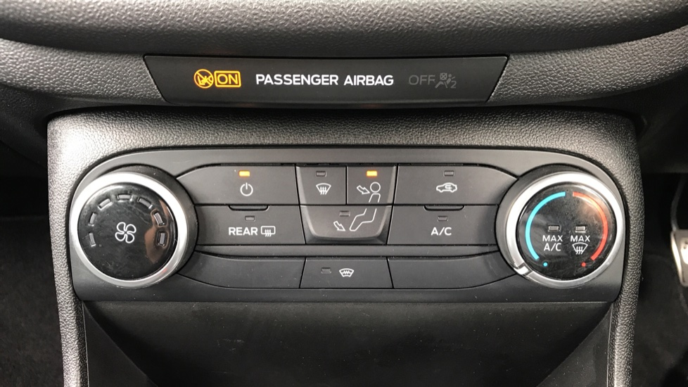 Ford Fiesta 1.0 EcoBoost ST-Line 5dr with DAB Radio and Keyless Start image 16