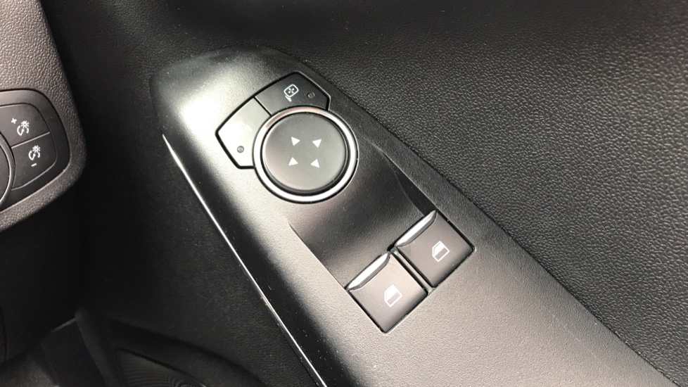 Ford Fiesta 1.0 EcoBoost ST-Line 5dr with DAB Radio and Keyless Start image 20