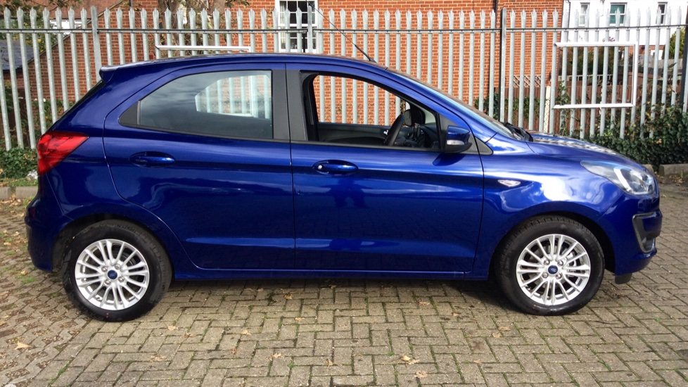 Ford KA Plus 1.2 85 Zetec 5dr image 4