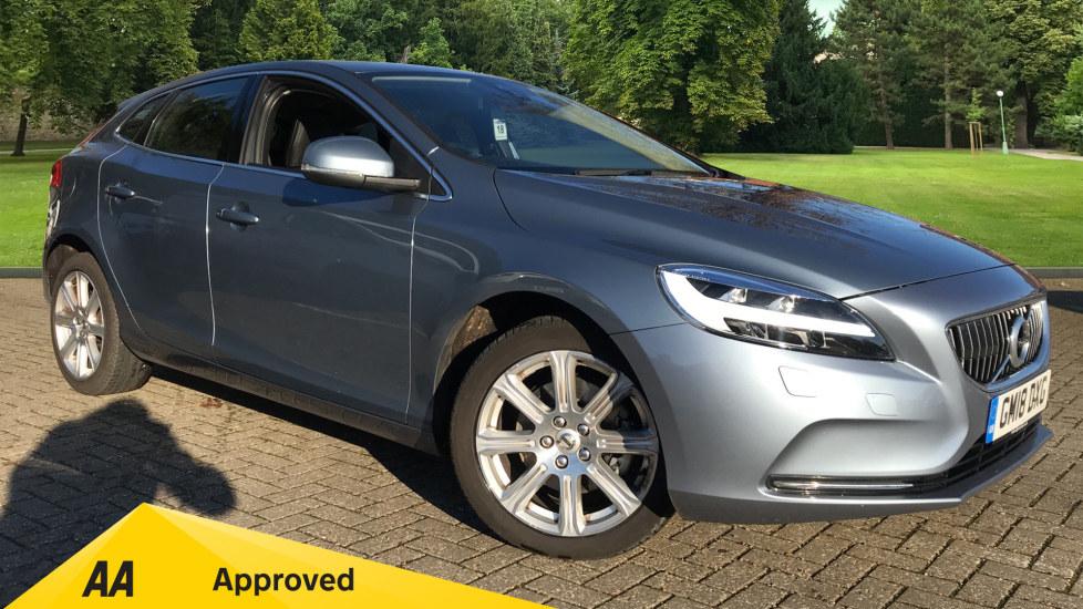 Volvo V40 T2 [122] Inscription 5dr 2.0 Hatchback (2018)