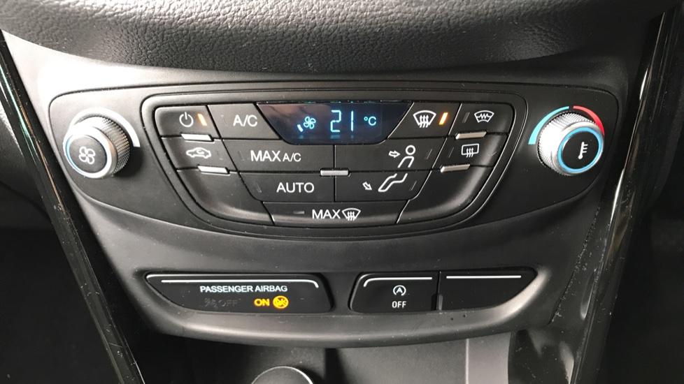 Ford B-MAX 1.0 EcoBoost 125 Titanium Navigator 5dr image 14
