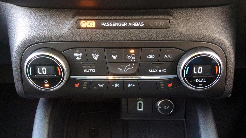 Ford Focus 1.5 EcoBlue 120 Titanium [Nav] 5dr image 14