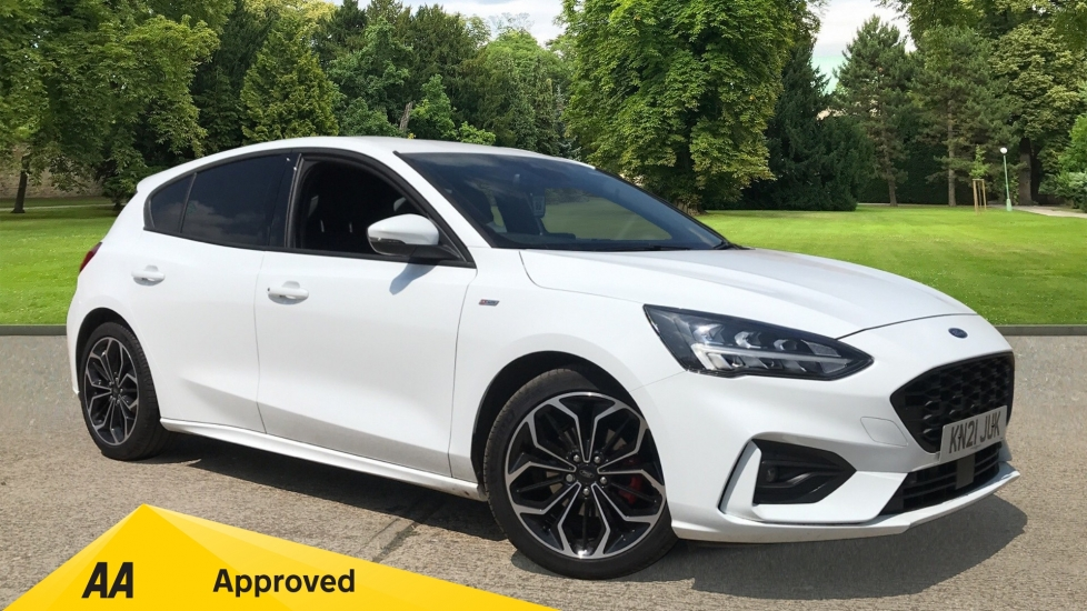 Ford Focus 1.0 EcoBoost Hybrid mHEV 125 ST-Line X Edition 5dr with Nav, Sensors and Heated Seats Hatchback (2021) image