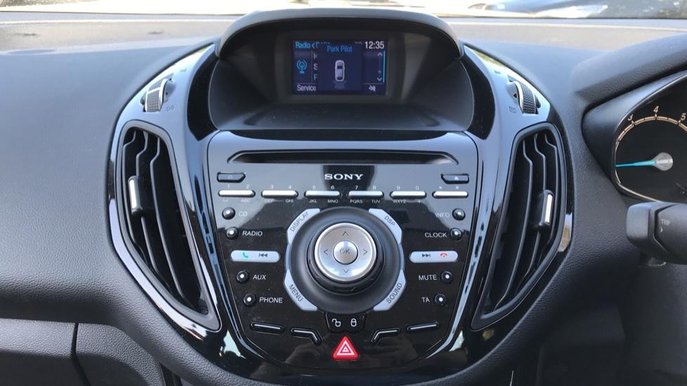 Ford B-MAX 1.6 Titanium 5dr Powershift image 15