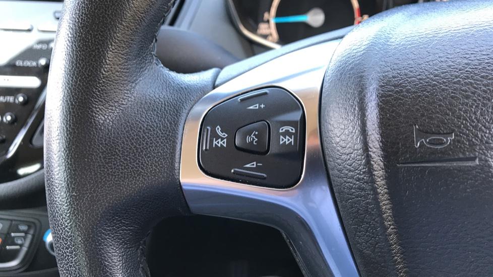 Ford B-MAX 1.6 Titanium 5dr Powershift image 18