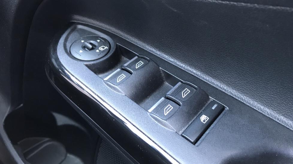 Ford B-MAX 1.6 Titanium 5dr Powershift image 20