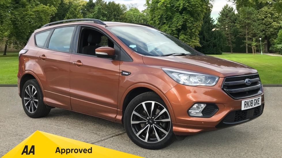 Ford Kuga 1.5 TDCi ST-Line 2WD with Navigation and Parking Sensors Diesel Automatic 5 door Estate (2018)