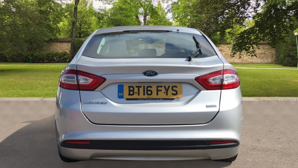 Ford Mondeo 1.5 TDCi ECOnetic Zetec 5dr with Cruise Control and DAB Radio image 6