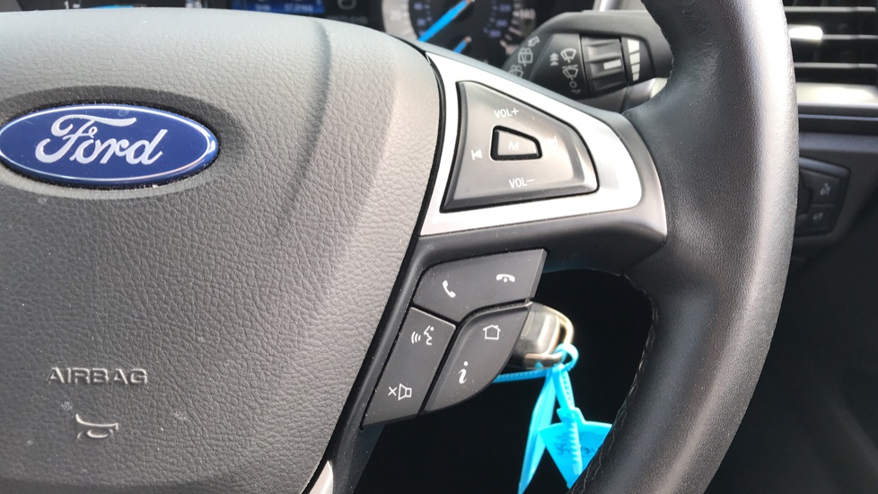 Ford Mondeo 1.5 TDCi ECOnetic Zetec 5dr with Cruise Control and DAB Radio image 19
