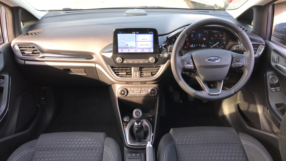 Ford Fiesta 1.0 EcoBoost Titanium 5dr with Navigation and Cruise Control image 11