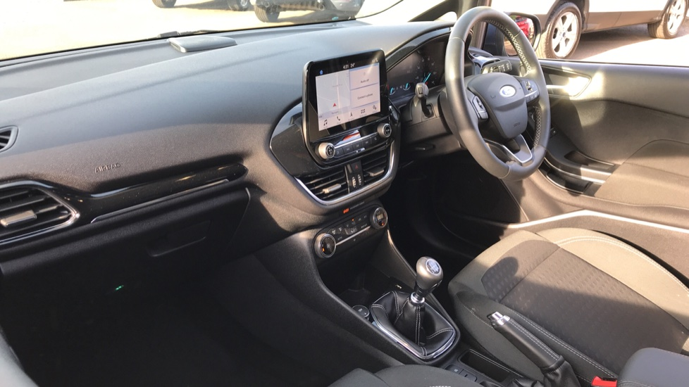 Ford Fiesta 1.0 EcoBoost Titanium 5dr with Navigation and Cruise Control image 13
