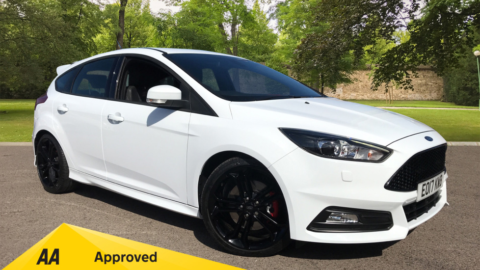 Ford Focus 2.0T EcoBoost ST-3 5dr Hatchback (2017) at Ford Thanet thumbnail image