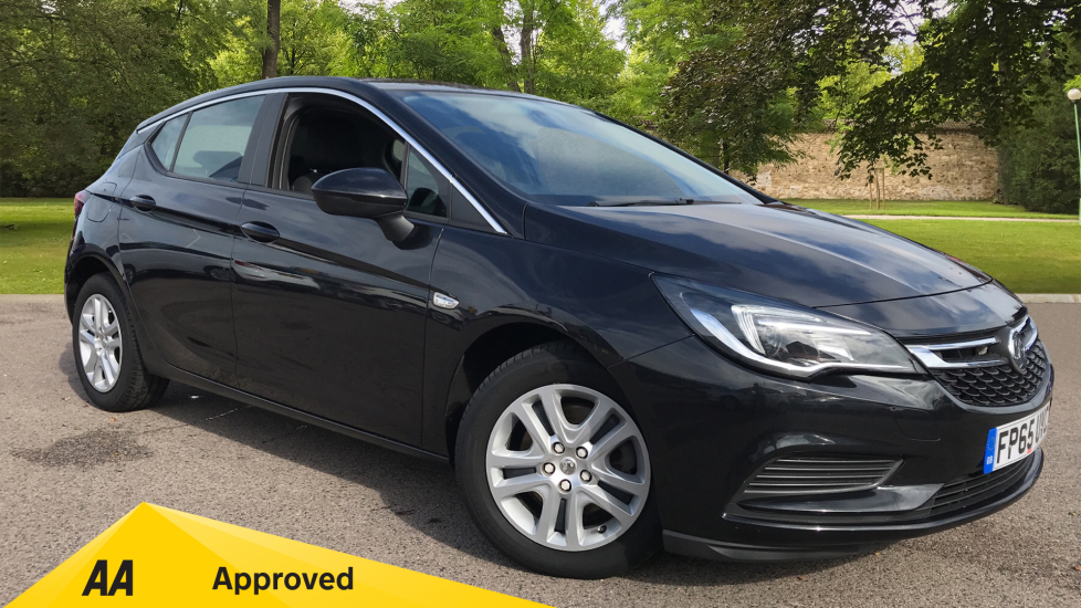 Vauxhall Astra 1.6 CDTi 16V 136 Tech Line Diesel Automatic 5 door Hatchback (2015) image