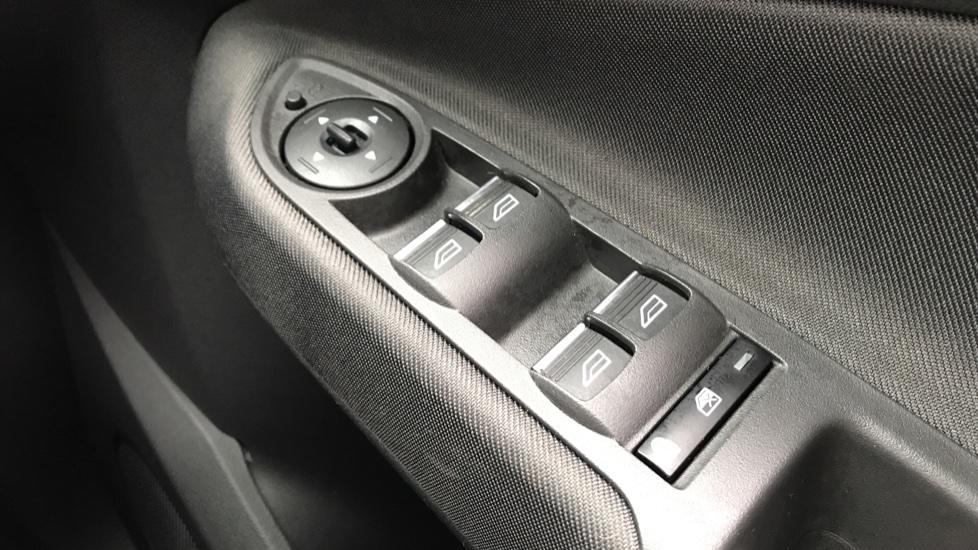 Ford C-MAX 1.0 EcoBoost Titanium 5dr image 20