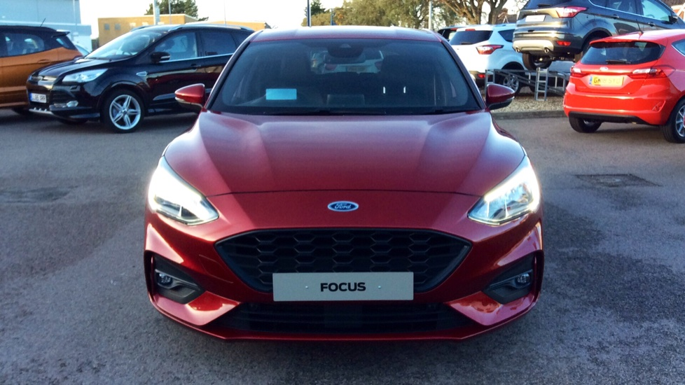 Ford Focus 1 5 Ecoblue 120 St Line X Diesel Automatic 5 Door Hatchback 2019 Available From Volvo Gatwick