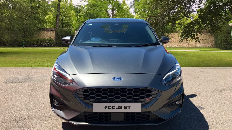 Ford Focus 2.3 EcoBoost ST 5dr image 2 thumbnail