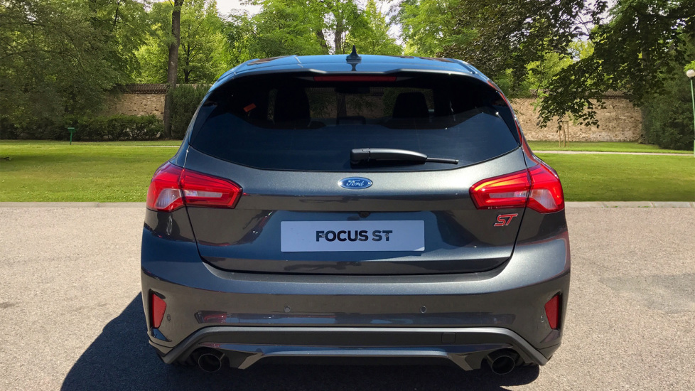 Ford Focus 2.3 EcoBoost ST 5dr image 6 thumbnail