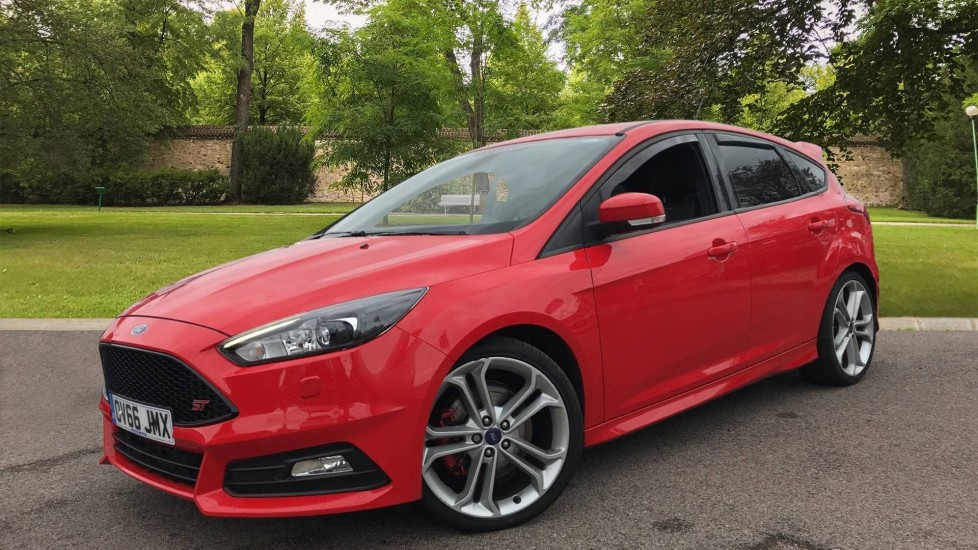 Ford Focus 2.0 TDCi 185 ST-3 5dr image 3