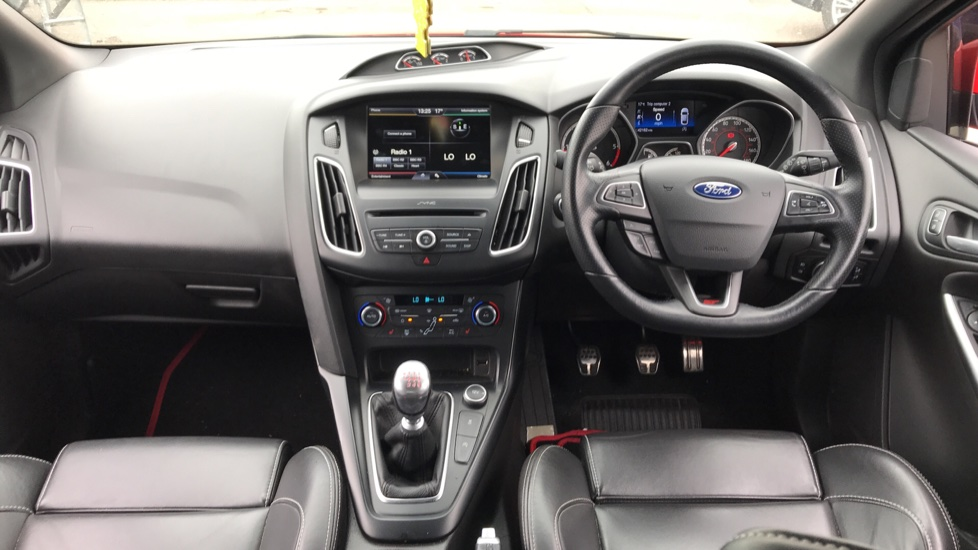 Ford Focus 2.0 TDCi 185 ST-3 5dr image 11