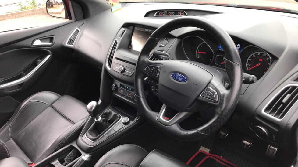 Ford Focus 2.0 TDCi 185 ST-3 5dr image 12