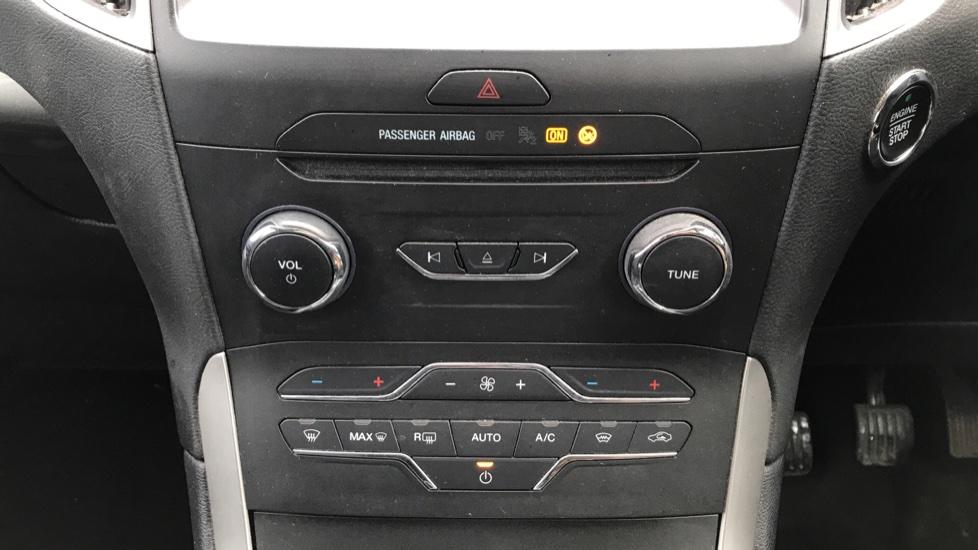Ford S-MAX 2.0 TDCi 150 Zetec 5dr image 16