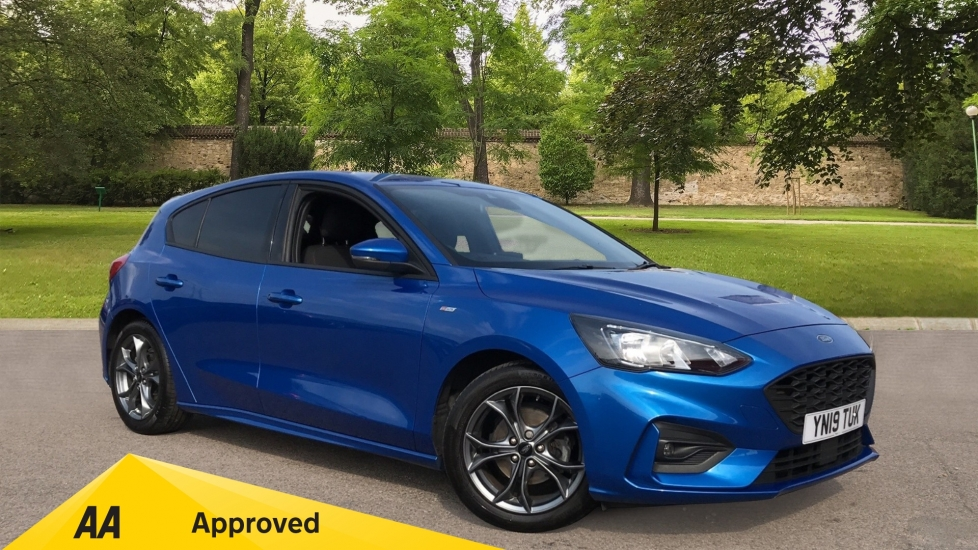Ford Focus 1.0 EcoBoost 125 ST-Line 5dr with Sports Suspension and Keyless Start Hatchback (2019) image