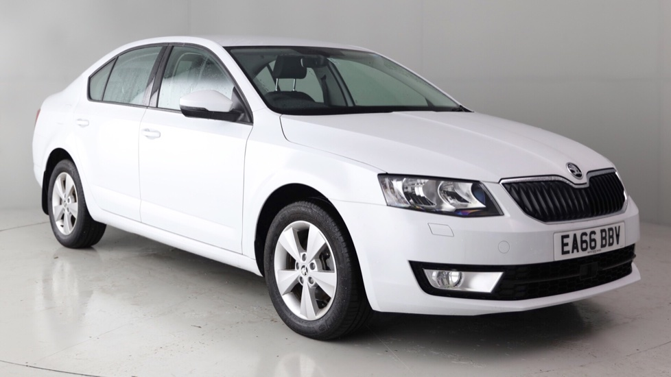 skoda octavia hatchback 2 0 tdi se l 13 795. Black Bedroom Furniture Sets. Home Design Ideas