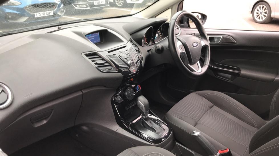 Ford Fiesta 1.6 Zetec Powershift image 13
