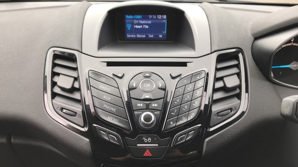 Ford Fiesta 1.6 Zetec Powershift image 15