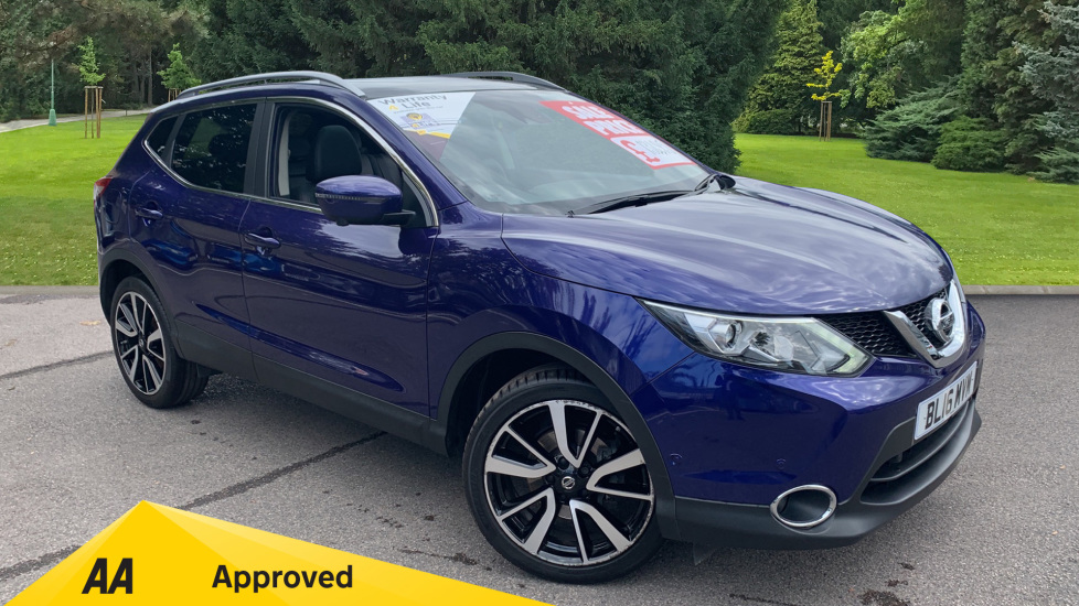 Nissan Qashqai 1.2 DiG-T Tekna [Panoramic] Xtronic Automatic 5 door Hatchback (2016)