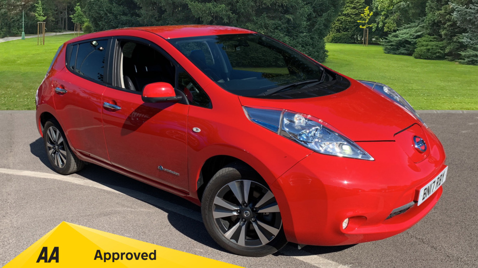 Nissan Leaf 80kW Tekna 30kWh Electric Automatic 5 door Hatchback (2017) image