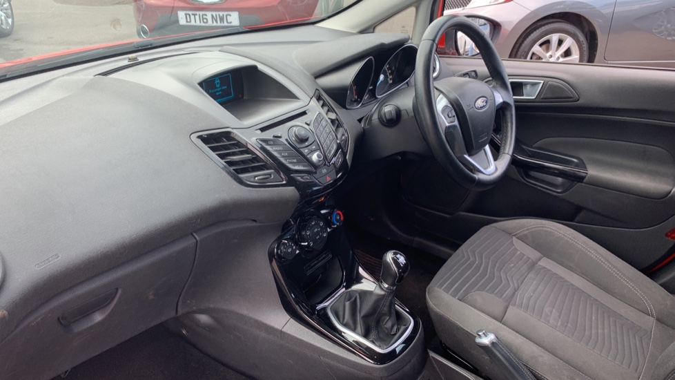 Ford Fiesta 1.25 82 Zetec 5dr image 13