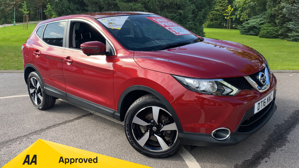 Nissan Qashqai 1.2 DiG-T N-Connecta Xtronic Automatic 5 door Hatchback (2016)