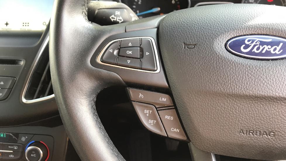 Ford Focus 1.0 EcoBoost Titanium 5dr image 18
