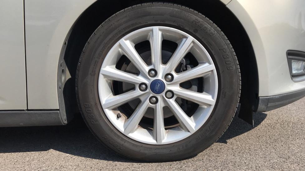 Ford Focus 1.5 TDCi 120 Titanium [Nav] 5dr image 8