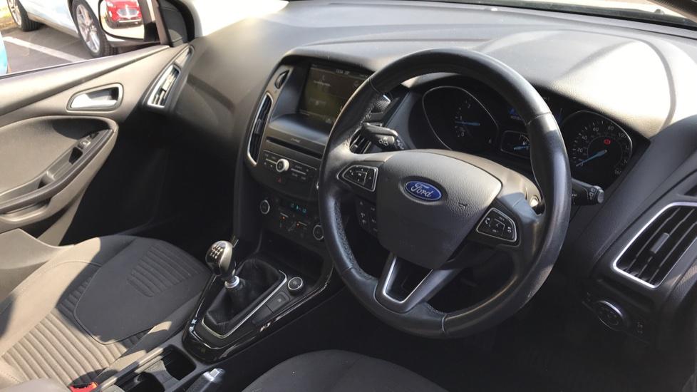 Ford Focus 1.5 TDCi 120 Titanium [Nav] 5dr image 12