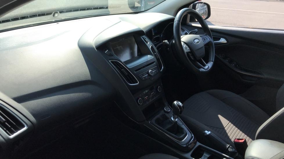Ford Focus 1.5 TDCi 120 Titanium [Nav] 5dr image 13