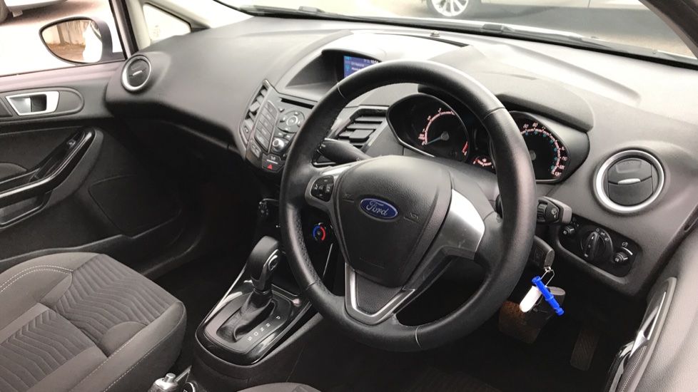 Ford Fiesta 1.0 EcoBoost Zetec Powershift image 12 thumbnail
