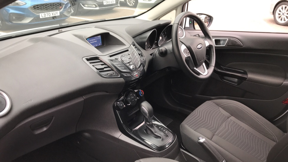 Ford Fiesta 1.0 EcoBoost Zetec Powershift image 13 thumbnail