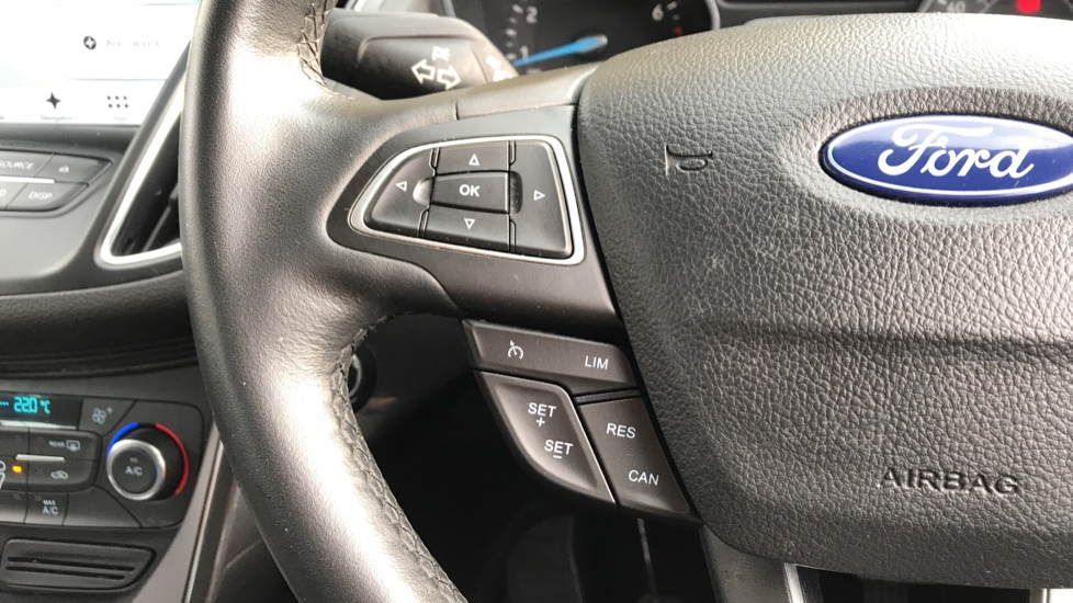Ford C-MAX 1.0 EcoBoost 125 Titanium 5dr image 18