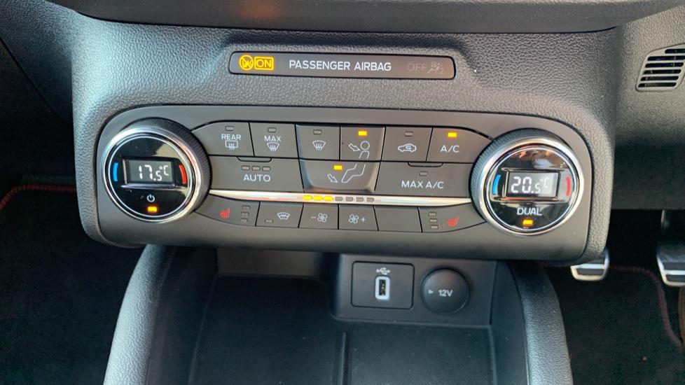 Ford Focus 1.0 EcoBoost 125 ST-Line X 5dr image 16