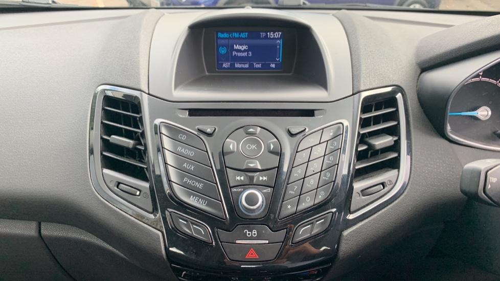 Ford Fiesta 1.0 EcoBoost Zetec Powershift image 15