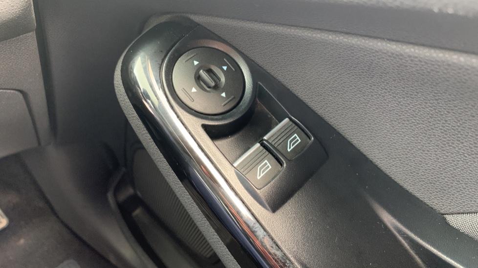 Ford Fiesta 1.0 EcoBoost Zetec Powershift image 19
