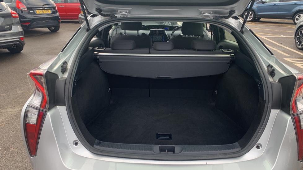 Toyota Prius 1.8 VVTi Business Edition Plus 5dr CVT image 10
