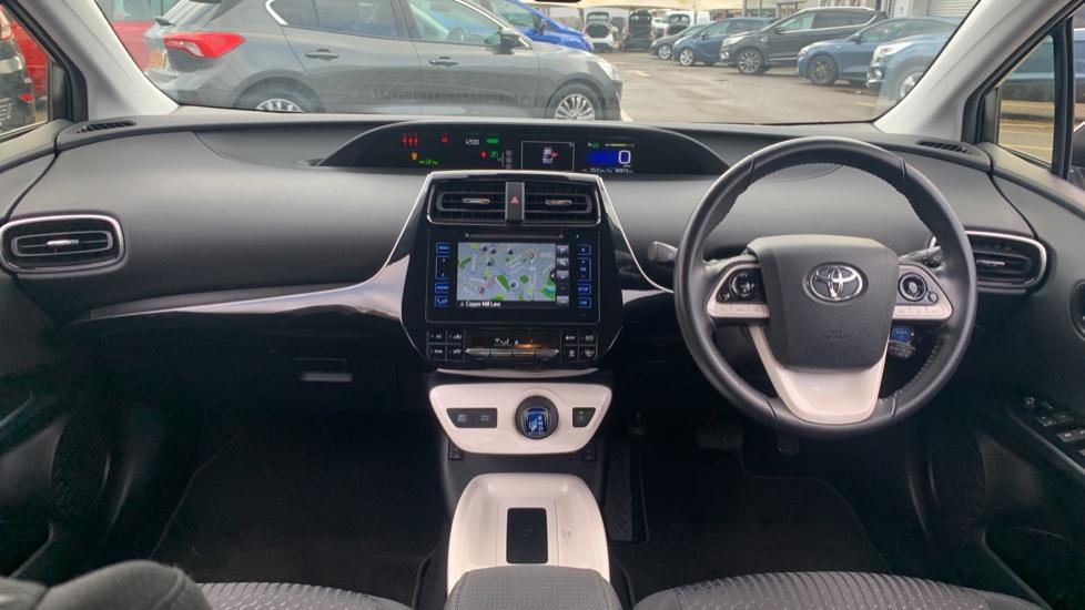 Toyota Prius 1.8 VVTi Business Edition Plus 5dr CVT image 11
