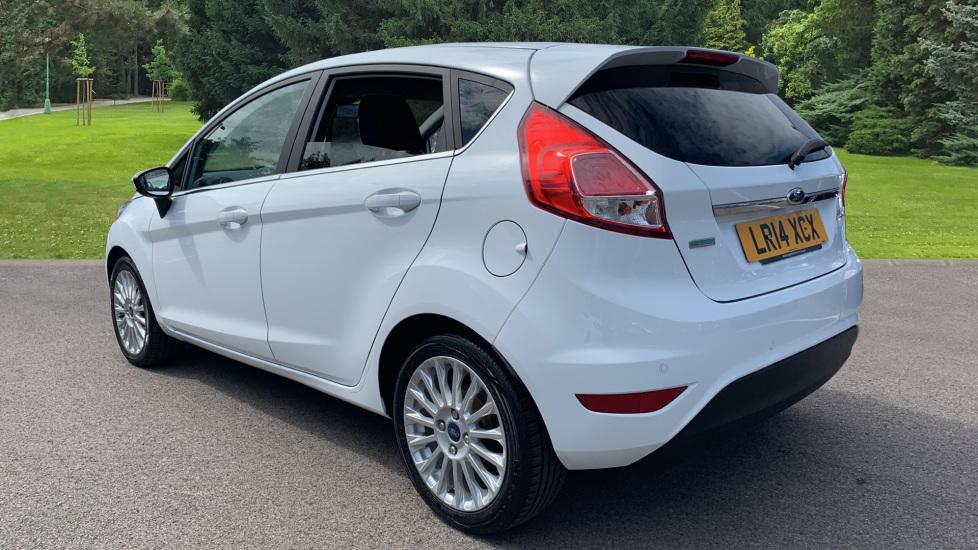 Ford Fiesta 1.0 EcoBoost Titanium 5dr image 7